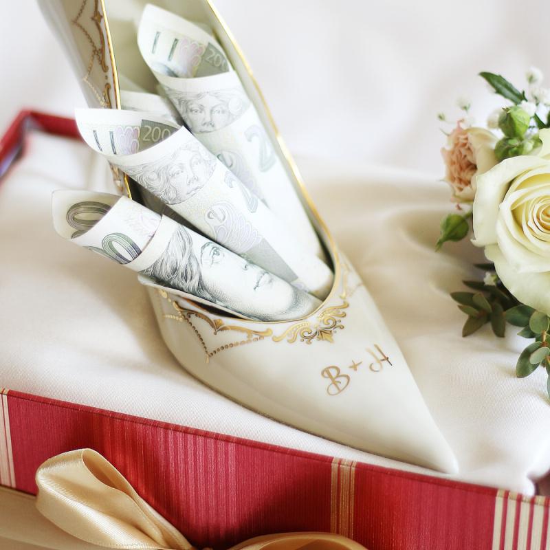 Frauen Schuhe rechter Schloss Sonate Elfenbein