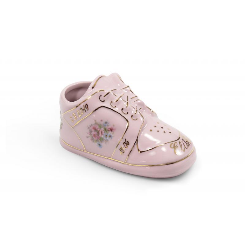 Small shoe commemorating child´s birth