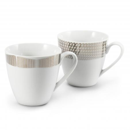A set of two mugs Silver...