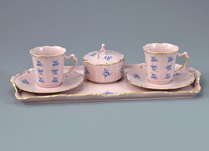 Rosa porcelain